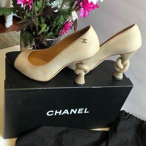 Chanel Cruise VE 14 Beige & Black Knot heel